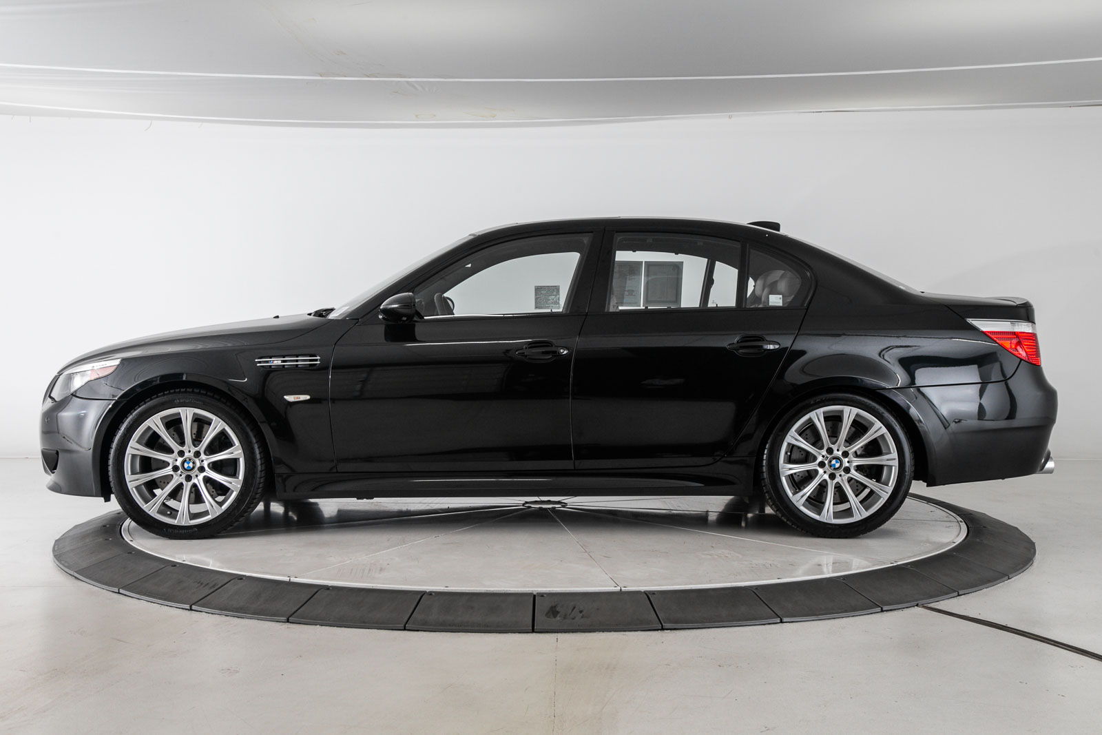 Pre-Owned 2006 BMW M5 Sedan